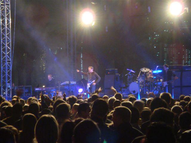 Bryan Adams rock Doha