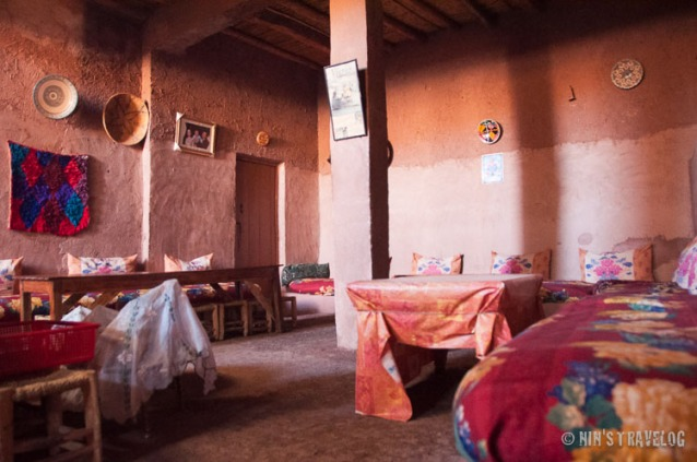 The living room inside a Berber house, where later on they entertained 20 of us, 'foreigners'.