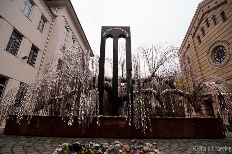 Budapest Synagogue-2