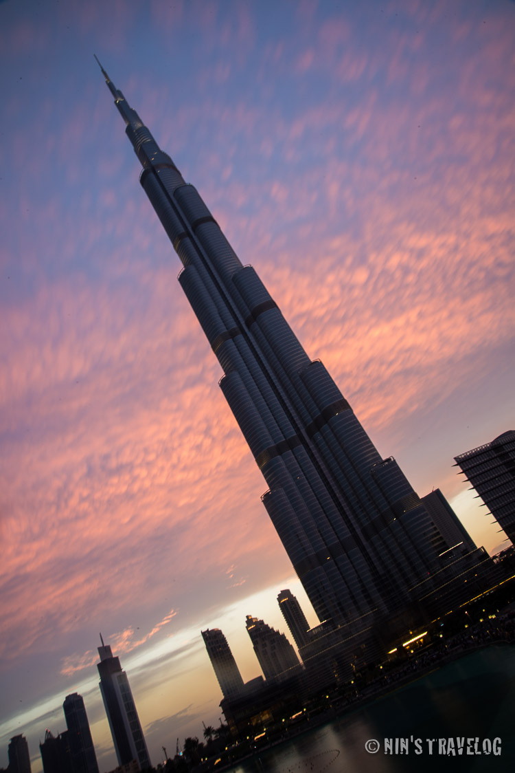 Experimenting my new camera: Burj Khalifa on sunset, too bad that the picture is a but shakey