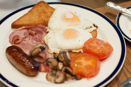 The infamous full wack of English Breakfast